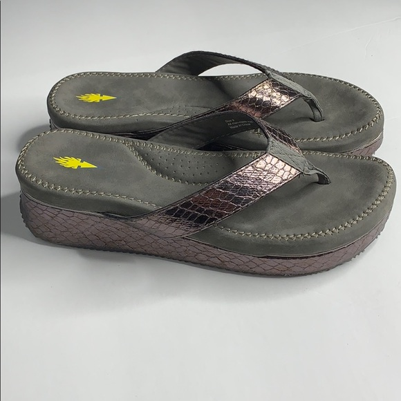 Volatile Daniella Wedge Sandal Size 9